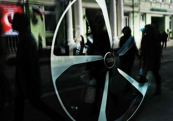 Audi, VW sites raided by German prosecutors in emissions-scandal probe